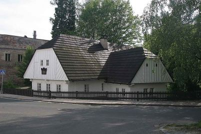 Rodný domek A. Jiráska - https://commons.wikimedia.org/wiki/File:JIRASEK_HOUSE.jpg