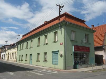 Muzeum klasického knihařství v Rožďalovicích -