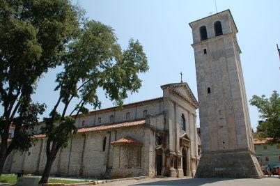 Katedrála Nanebevzetí Panny Marie - https://commons.wikimedia.org/wiki/File:Croat_fg172.JPG?uselang=cs