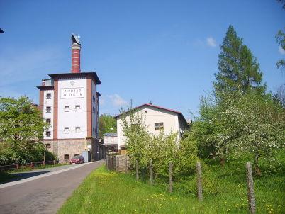 Pivovar Broumov - https://commons.wikimedia.org/wiki/File:Olivetin_brewery.JPG