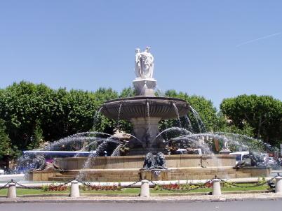Fontaine de la Rotonde - https://commons.wikimedia.org/wiki/File:Fontaine_de_la_Rotonde_-_Aix-en-Provence.JPG