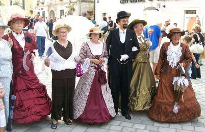 Špancirfest - https://commons.wikimedia.org/wiki/File:%C5%A0pancirfest_Vara%C5%BEdin_2008_(1).jpg
