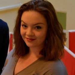 Mariana Qamile Rød