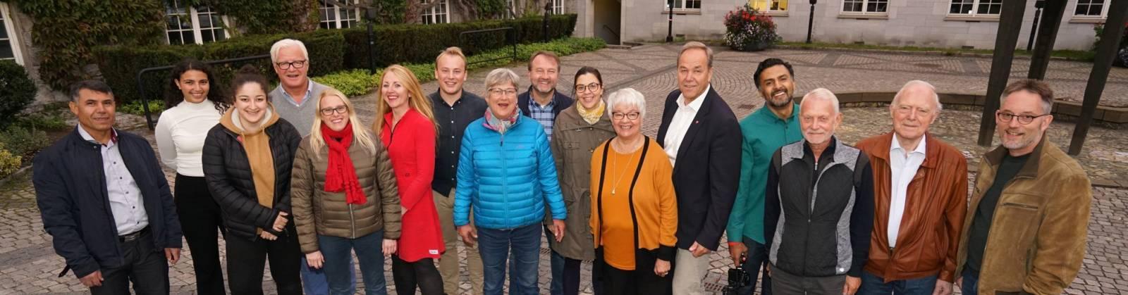 Kommunestyregruppen på Rådhusplassen i Bærum