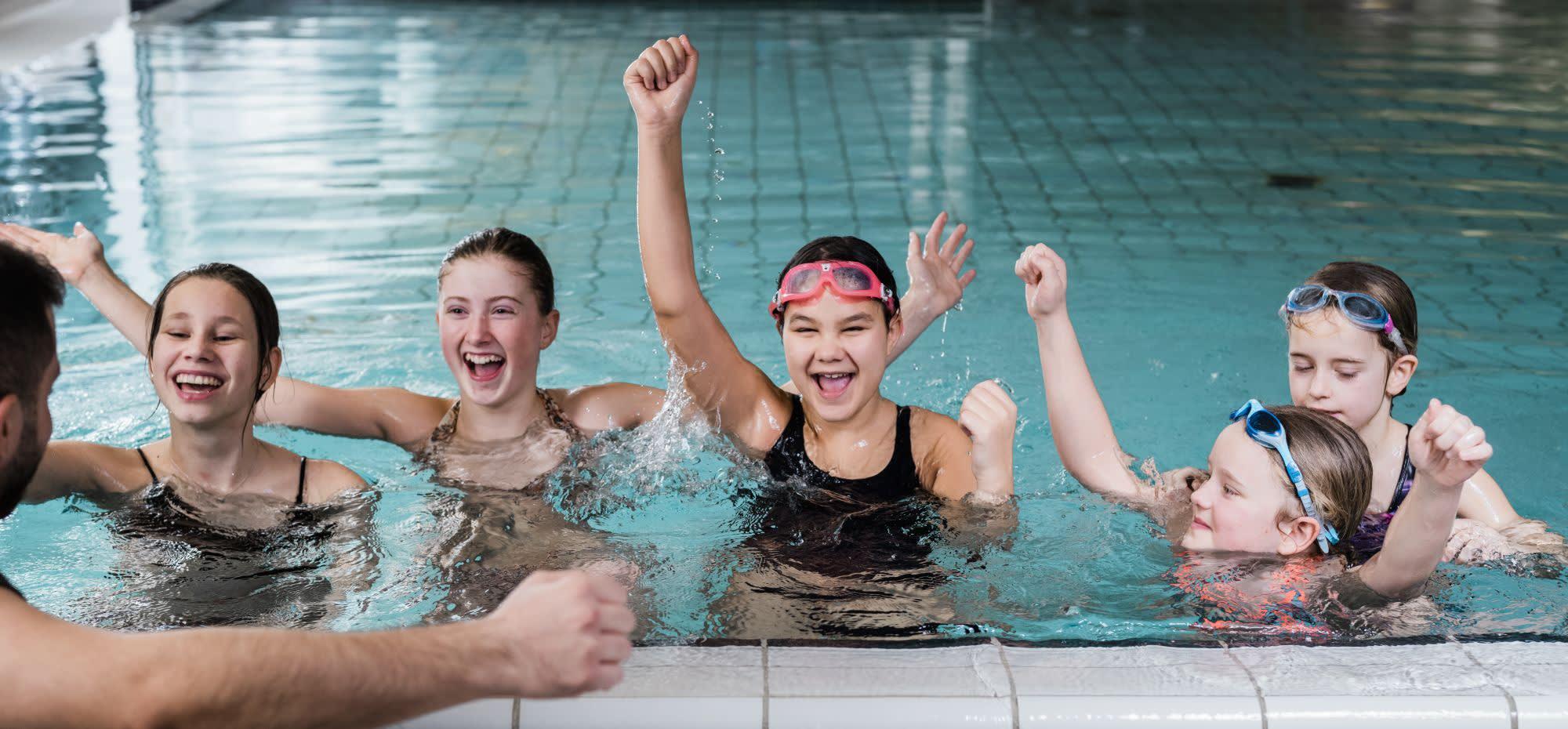 Svømmeopplæring blir en del av Barnas Sommer.