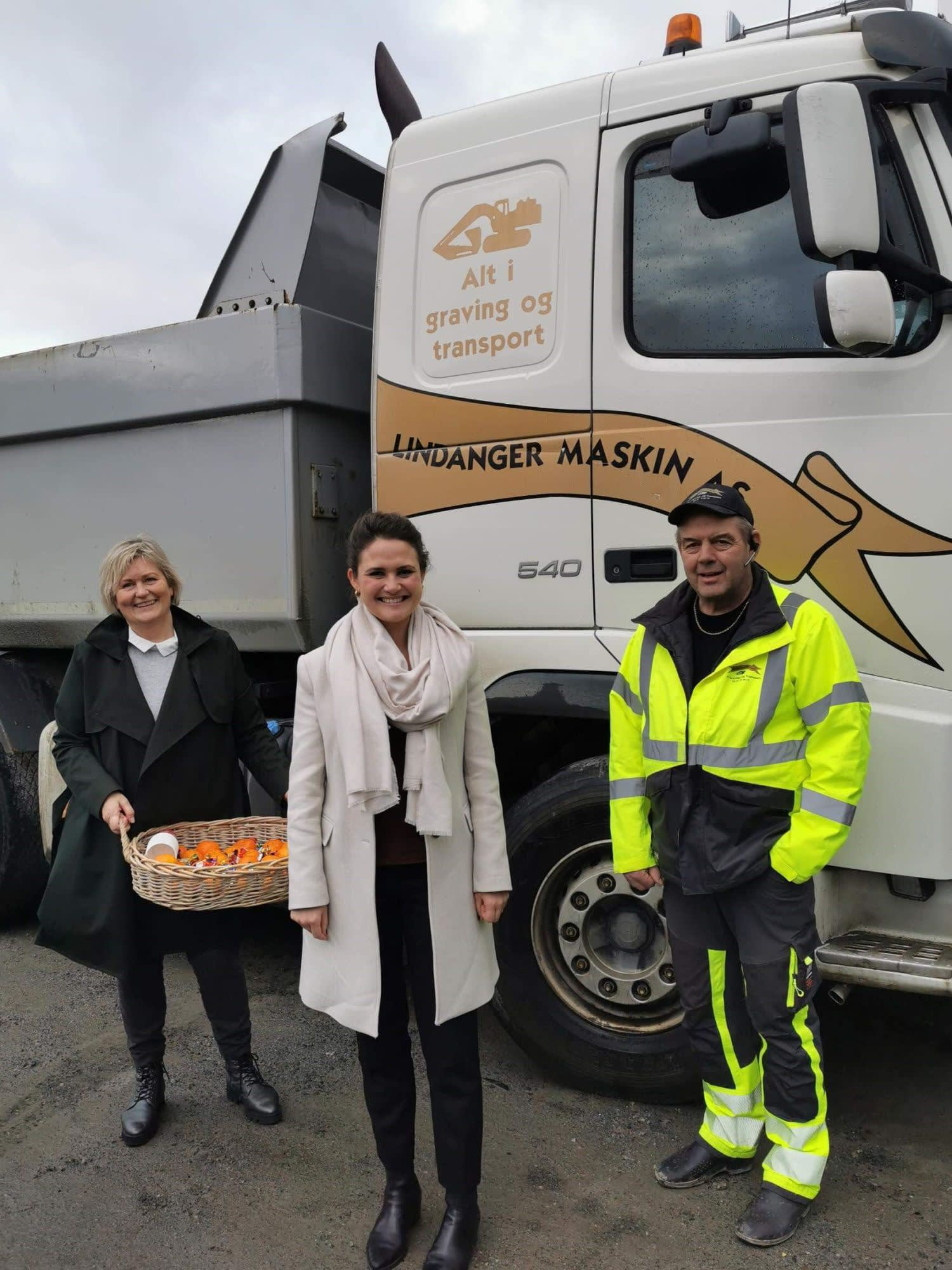 Anne Woie, Kari og Lindanger