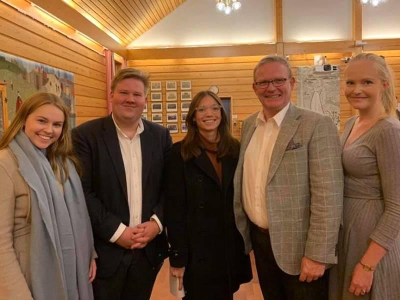 Nora Prøsch Meier, Jørn-Inge Frøshaug, Tom Olsen og Kristin Victoria Jansen.
