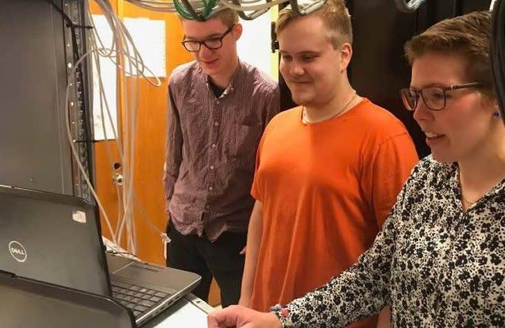 Kjerstin Lundgård og ikt-lærlinger
