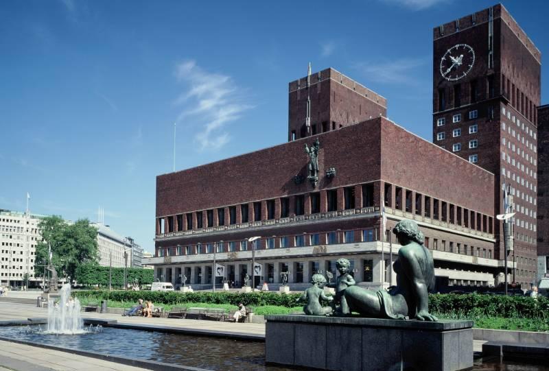 Rådhuset. Vår bystyregruppe holder til i vestre tårn