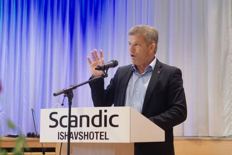 Bjørnar Skjæran holder tale på Jubelsamling i Tromsø