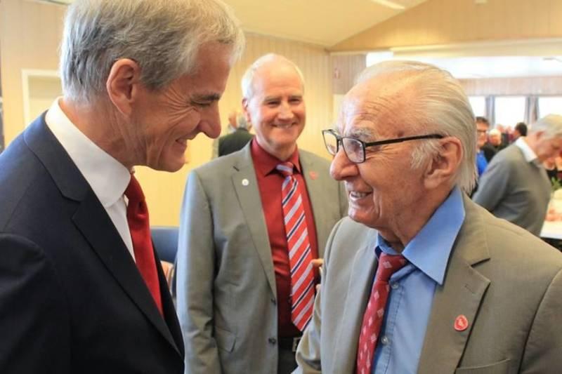 Jonas Gahr Støre tok seg god tid til å snakke med dem som bygde landet.