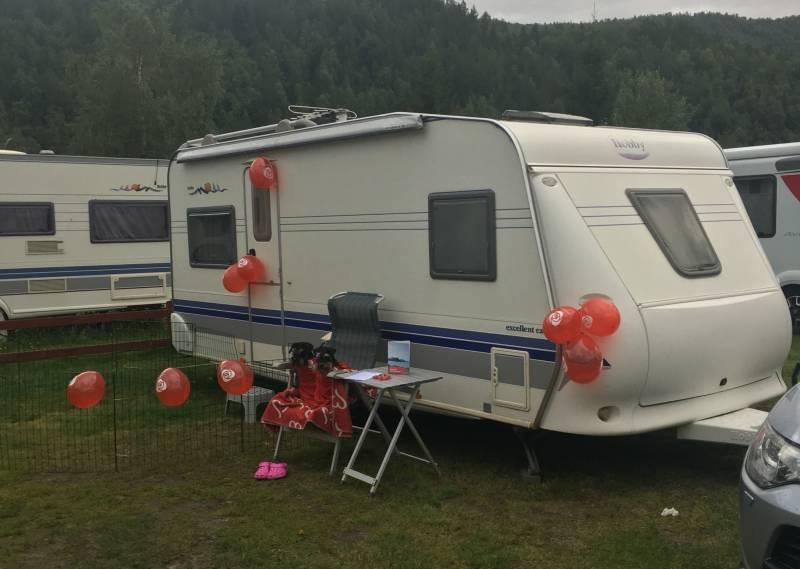 Monas campingvogn med partistæsj