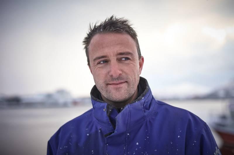 Portrett av en middelaldrende mann ved kysten. Foto: Øivind Haug