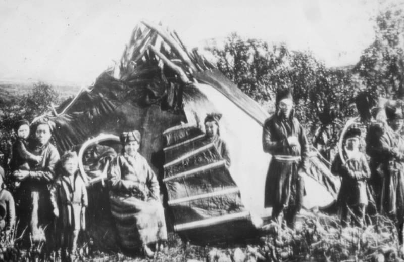 Fra Finnmark fylkesbibliotek. Bildet er public domain.