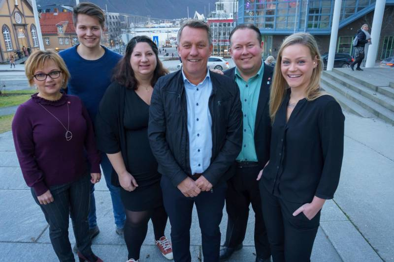 Disse seks er nominert om topp 6 på vår valgliste til kommunestyrevalget 2019. Fra venstre: Mari-Ann Benonisen (6.kandidat), Brynjar Andersen Saus (5.kandidat), Tone Marie Myklevoll (varaordførerkandidat), Gunnar Wilhelmsen (ordførerkandidat), Jarle Heitmann (3.kandidat)  og Tonje Randisdatter Tunstad (4.kandidat)