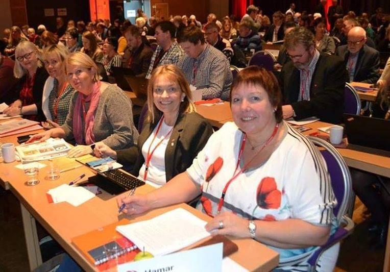 Hilde Nyutstumoen, Mona Stormoen, Aud M Riseng, Ida O Kornberg og Eva Arnseth på Innlandet Aps årsmøte 2019.
