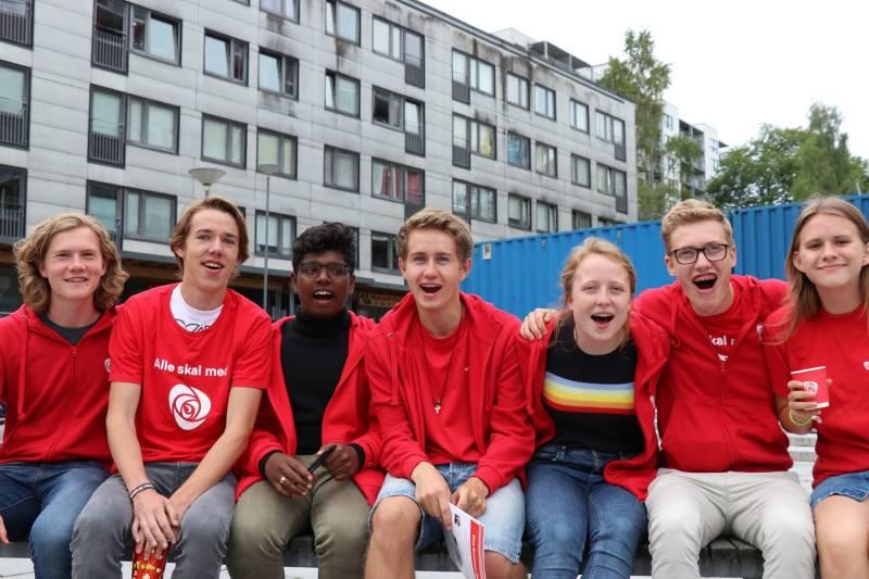 Verdens beste AUF var med på nabolagsfest og husbesøk på Hovseter