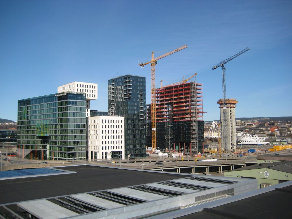 Heisekraner som bygger ved Barcode i Oslo. Foto: Steinar Saghaug