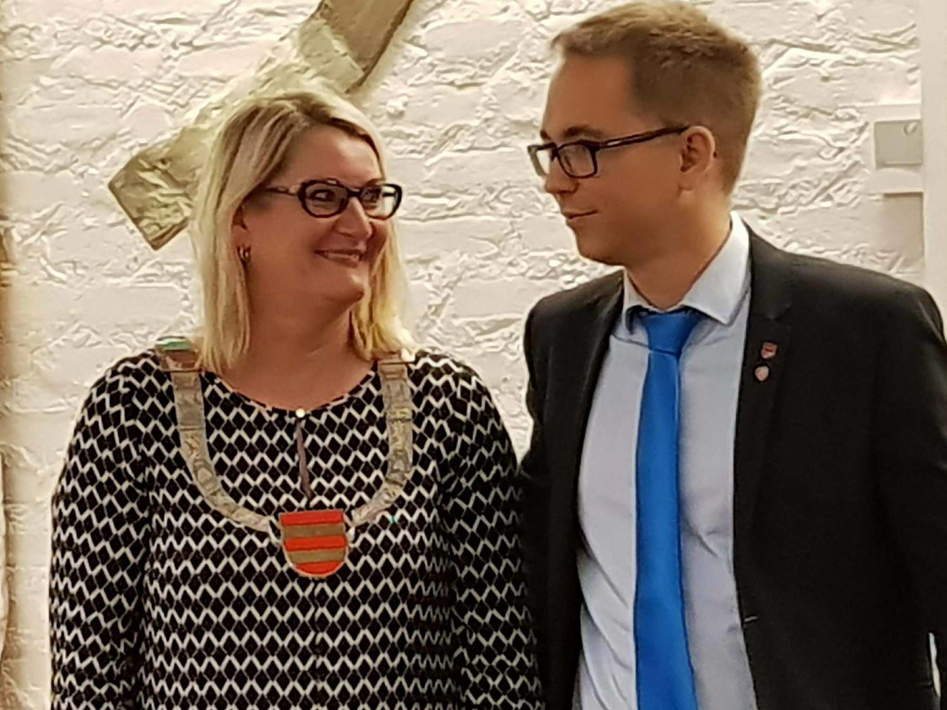 Gro Bråten overtar fylkesordførerkjedet fra Tellef Inge Mørland