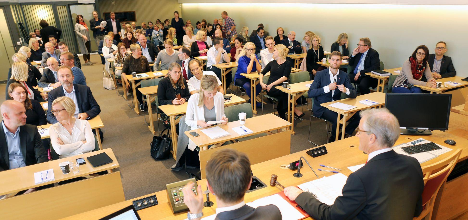 Oversiktsbilde fra gruppemøte 3. oktober 2017. Oversikt over alle de nye stortingsrepresentantene i Arbeiderpartiet.
