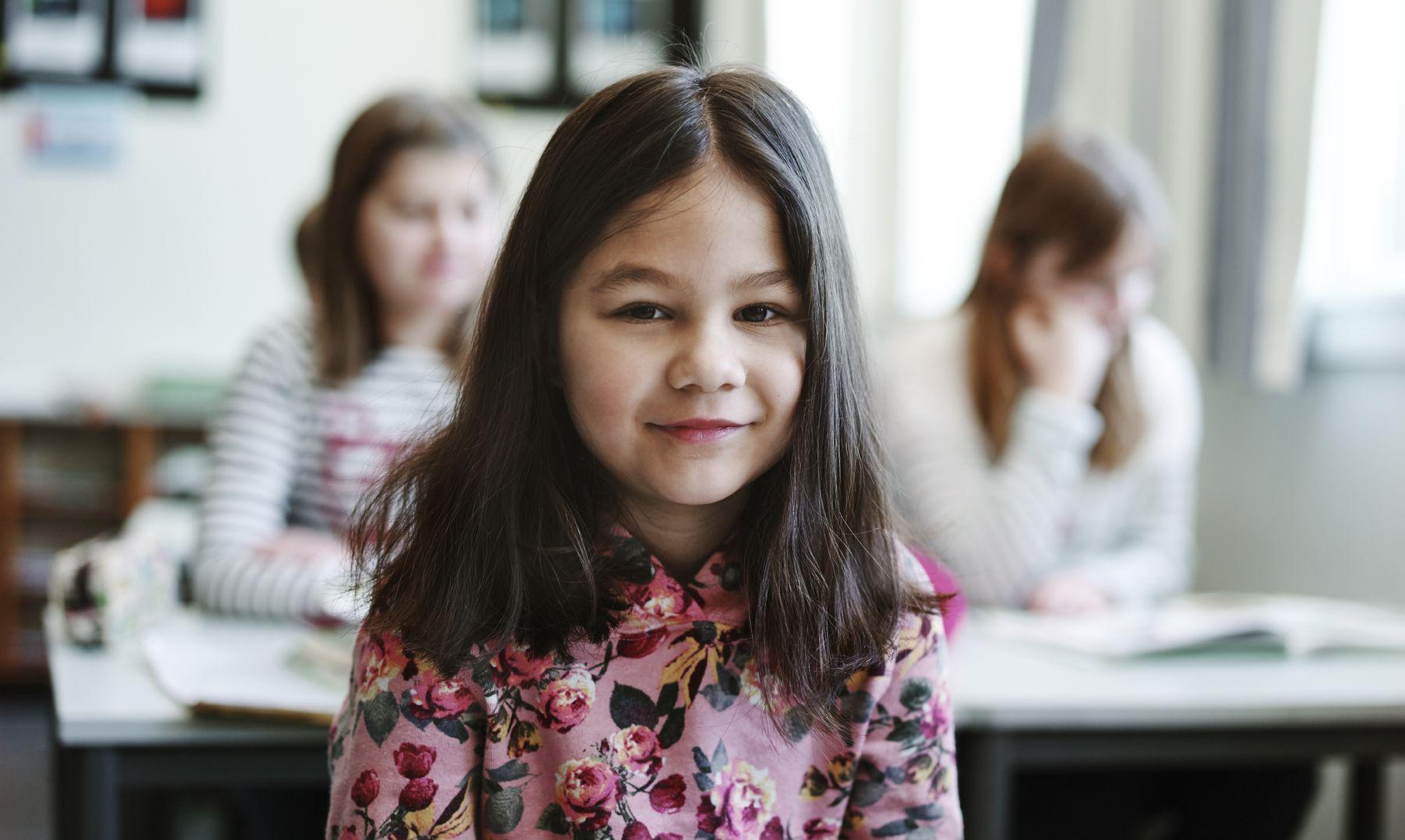 Vi vil ha en god offentlig skole. Alle skal kunne lese, skrive og regne når der ferdig i andre klasse.