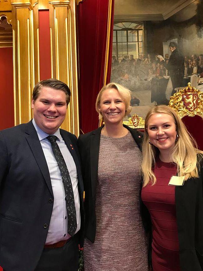 åpning av stortinget. Maria-Karine Aasen-Svensrud, Rikke Grava og Eivind Yrjan Stamnes.