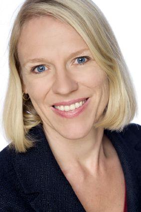 Anniken Huitfeldt innleder til politisk debatt på årsmøtet i Hedmark Arbeiderparti