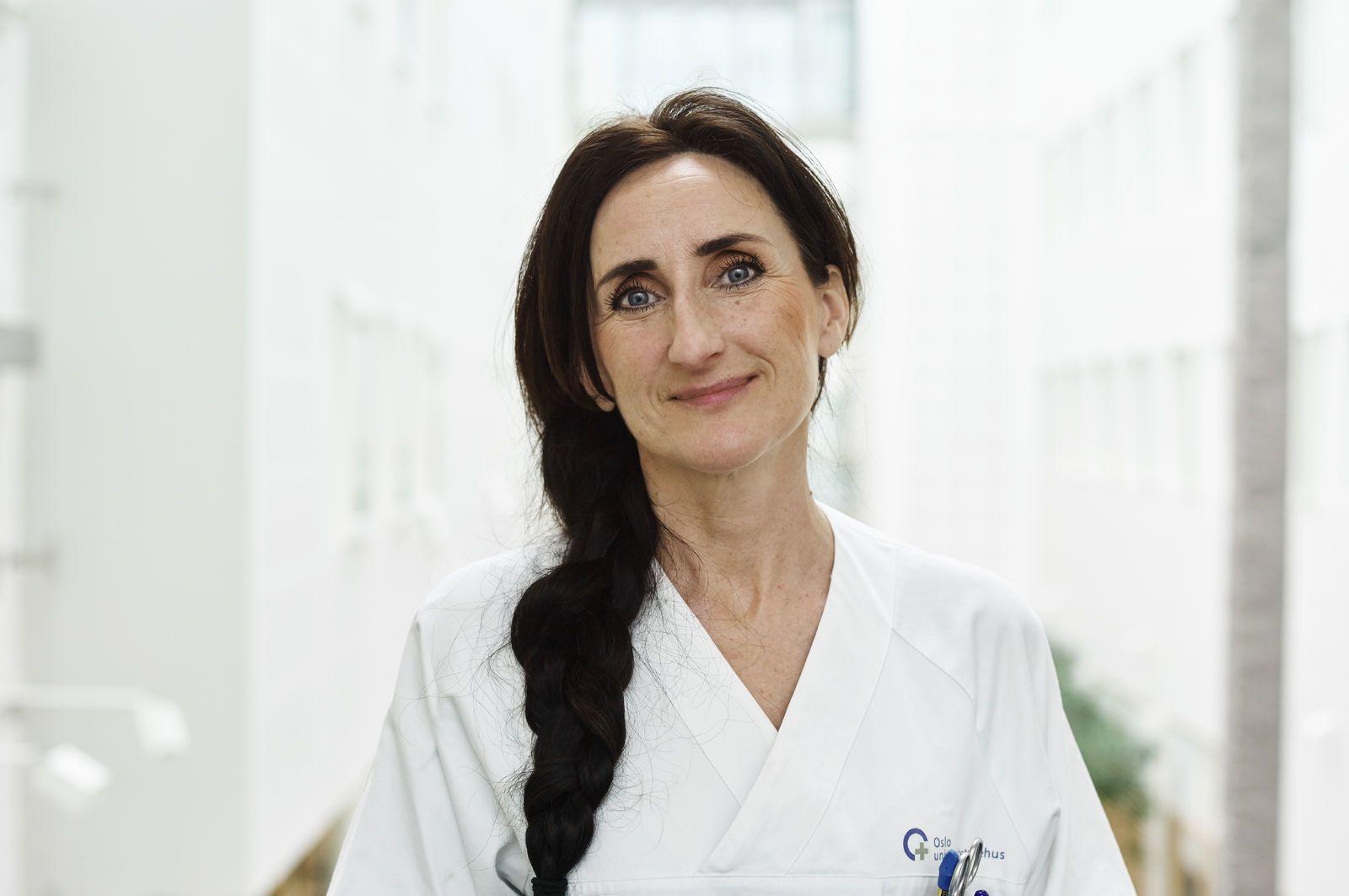 Portrettbilde av en kvinnelig lege. Foto: Øivind Haug