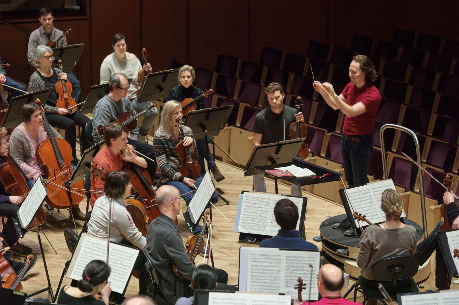 Nærbilde av et orkester som øver i Operaen. Foto: Øivind Haug