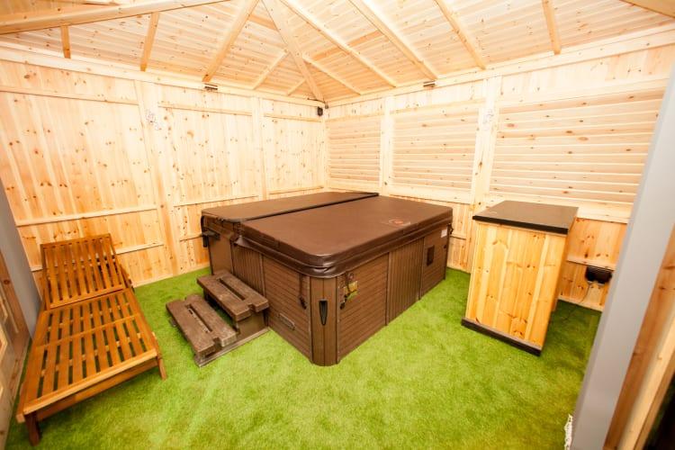 Hot Tub Room 6