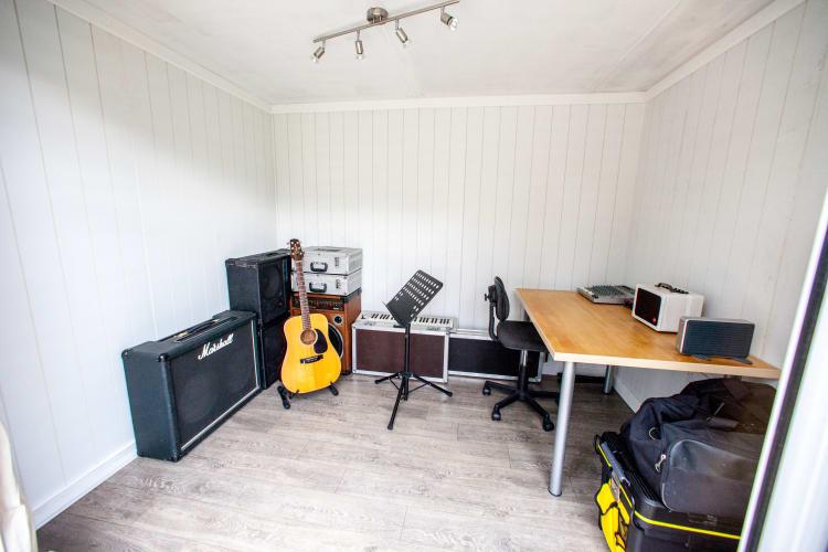 E Music Room 03