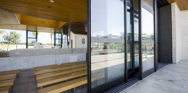 Vidro insulado é a solução ideal para manter o ambiente aquecido