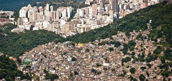 Arquitetos propõem política habitacional