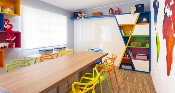 Sala de Estudos ganha conforto com revestimento vinílico