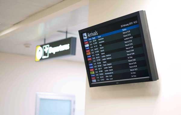 Sistema de gestão aeroportuária de alta tecnologia no Aeroporto de Malta