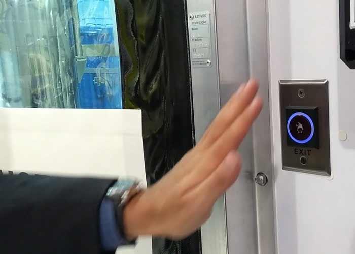 Portas automáticas Rayflex com abertura sem o toque das mãos