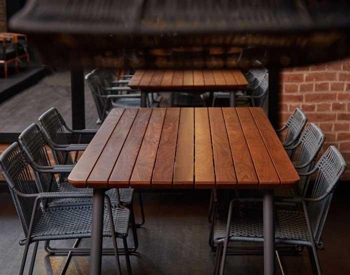 DonaFlor Mobília indica mesas para áreas externas agradáveis