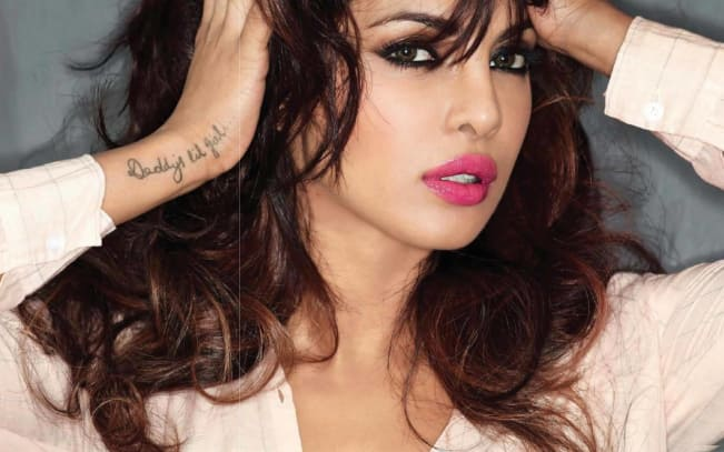 Priyanka-Chopra-Black-Ink-Wrist-Tattoo-Idea