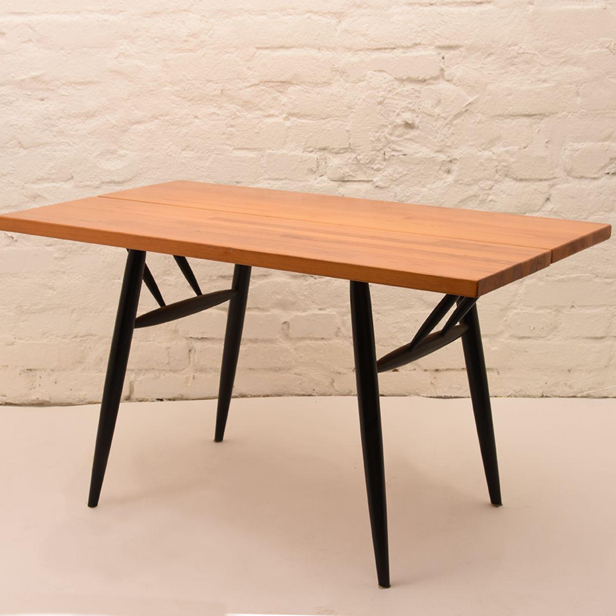 Ilmari-Tapiovaara_Pirkka-Table