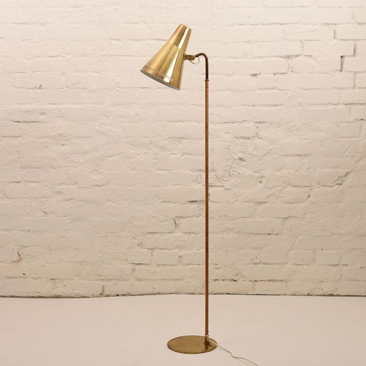 Paavo-Tynell_Brass-Rattan-Floor-Lamp
