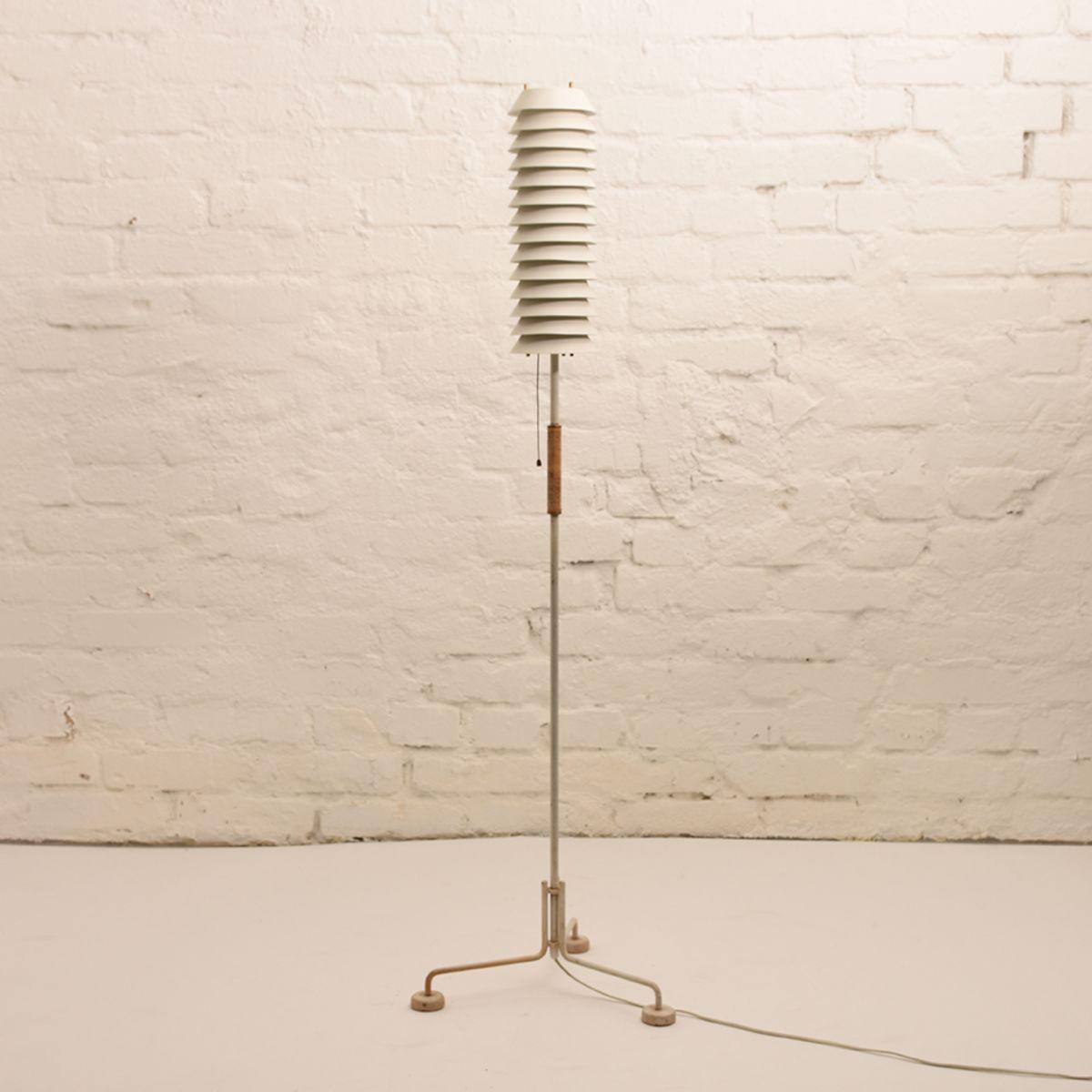 Ilmari-Tapiovaara_Maija-Mehilainen-Floor-Lamp