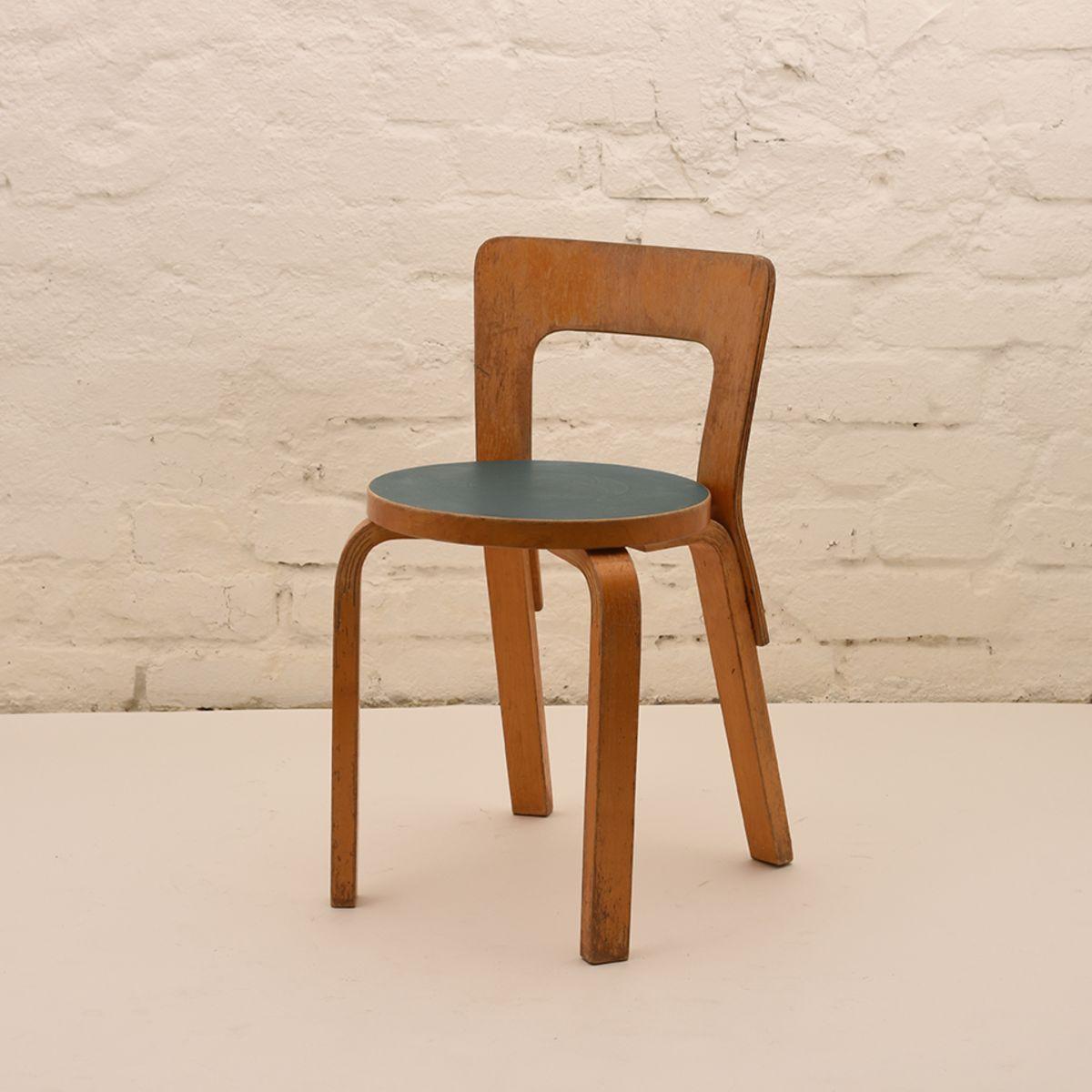 Alvar-Aalto_Chair65