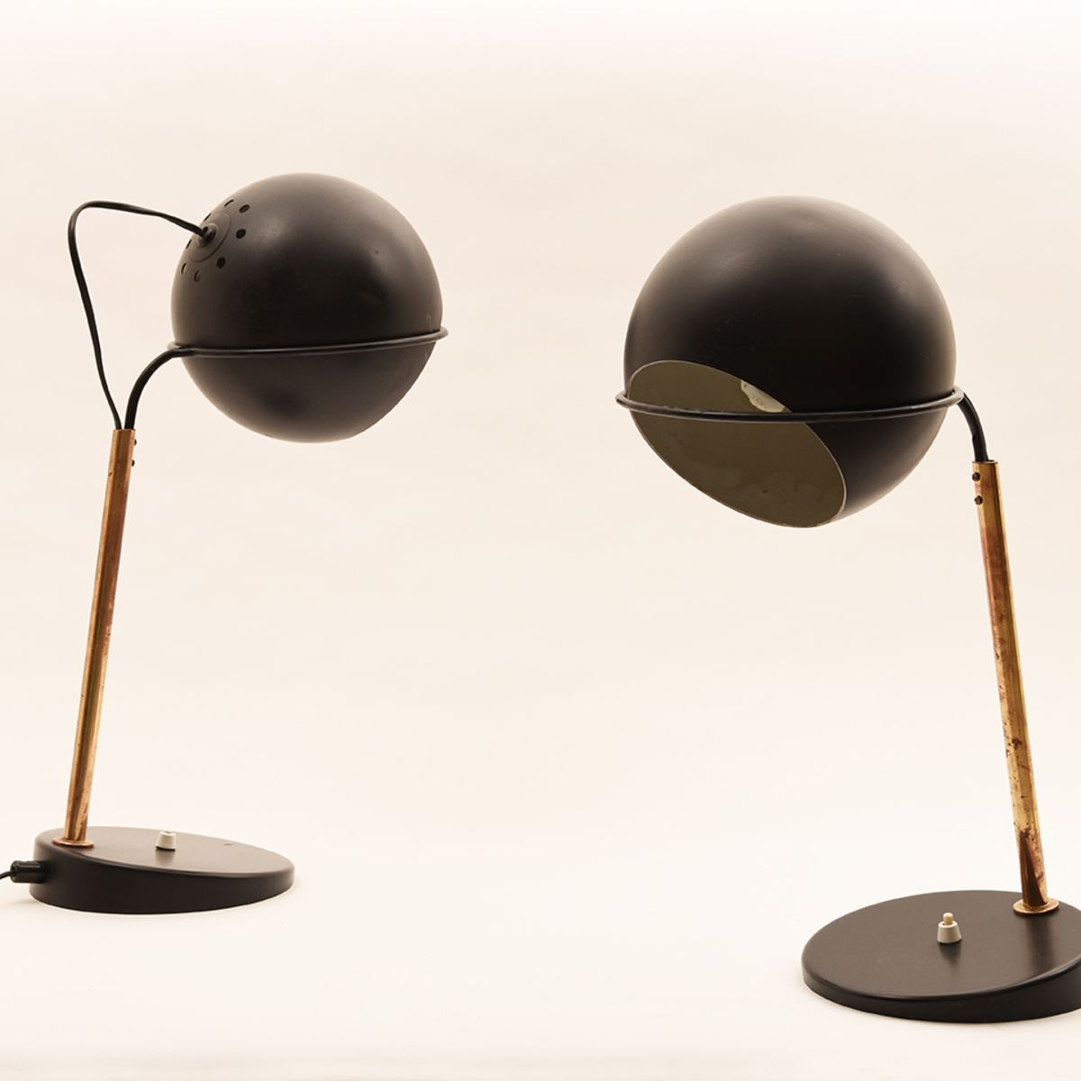 Mauri-Almari_Table-Lamps