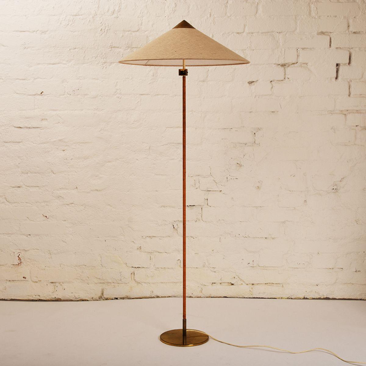 Paavo-Tynell_Floor-Lamp-01