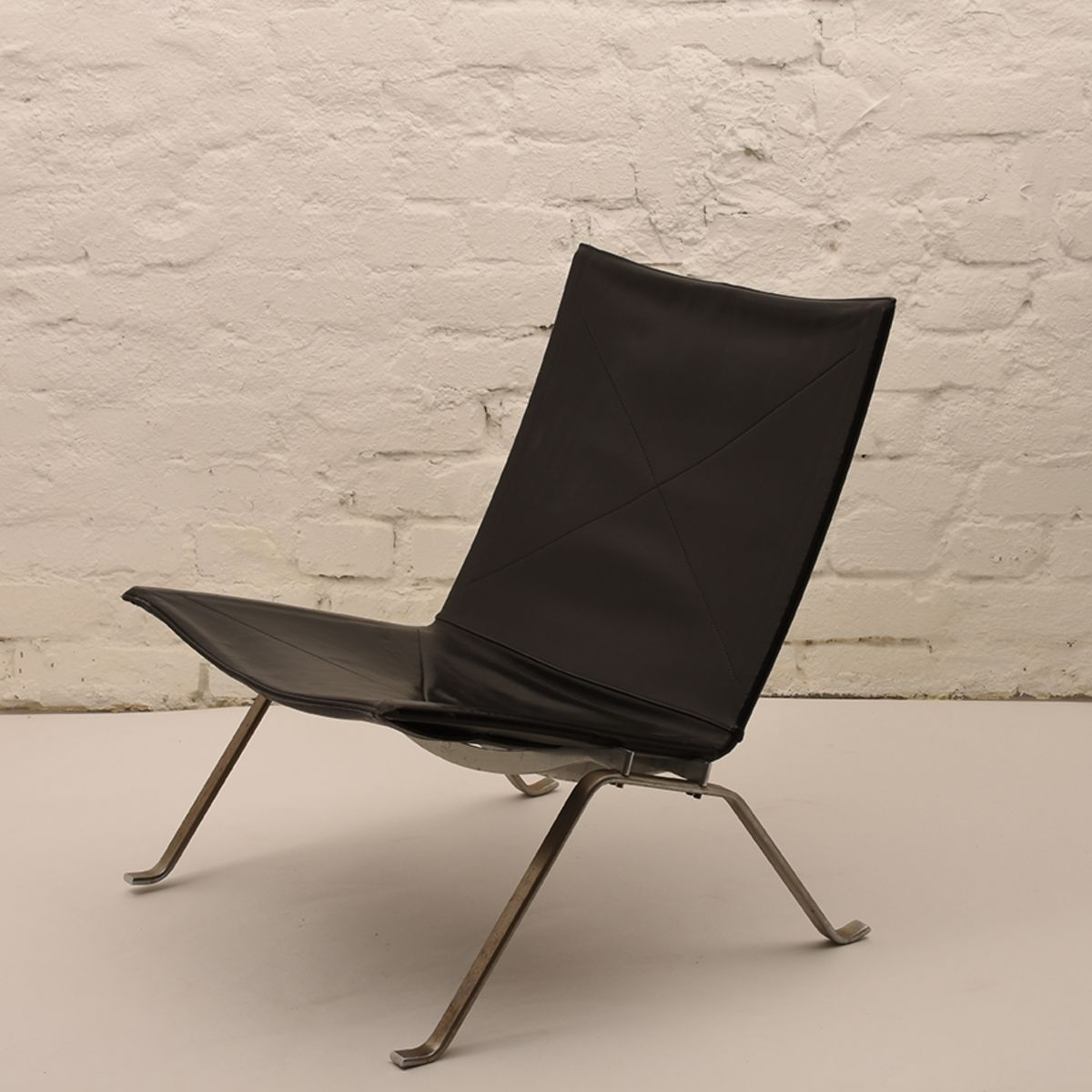 Poul-Kjaerholm_Pk22-Lounge-Chair