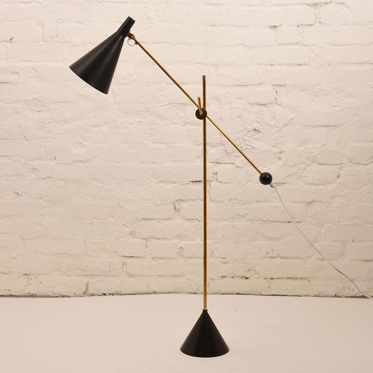 Tapio-Wirkkala_Idman-Floor-Lamp_01