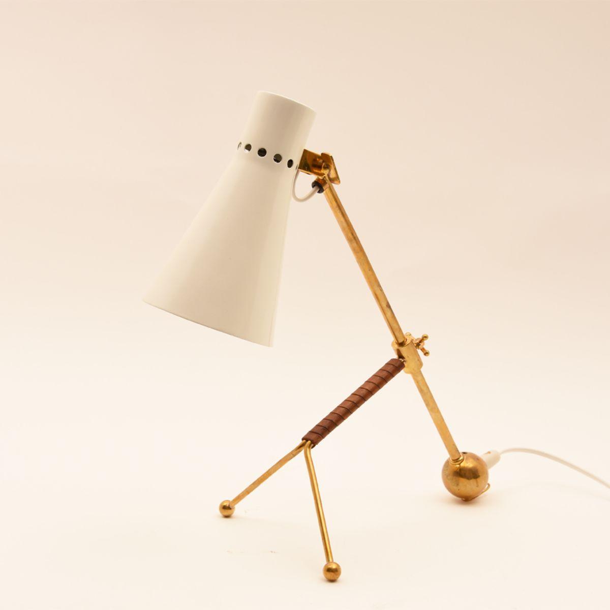 Tapio-Wirkkala_Idman-Table-Lamp