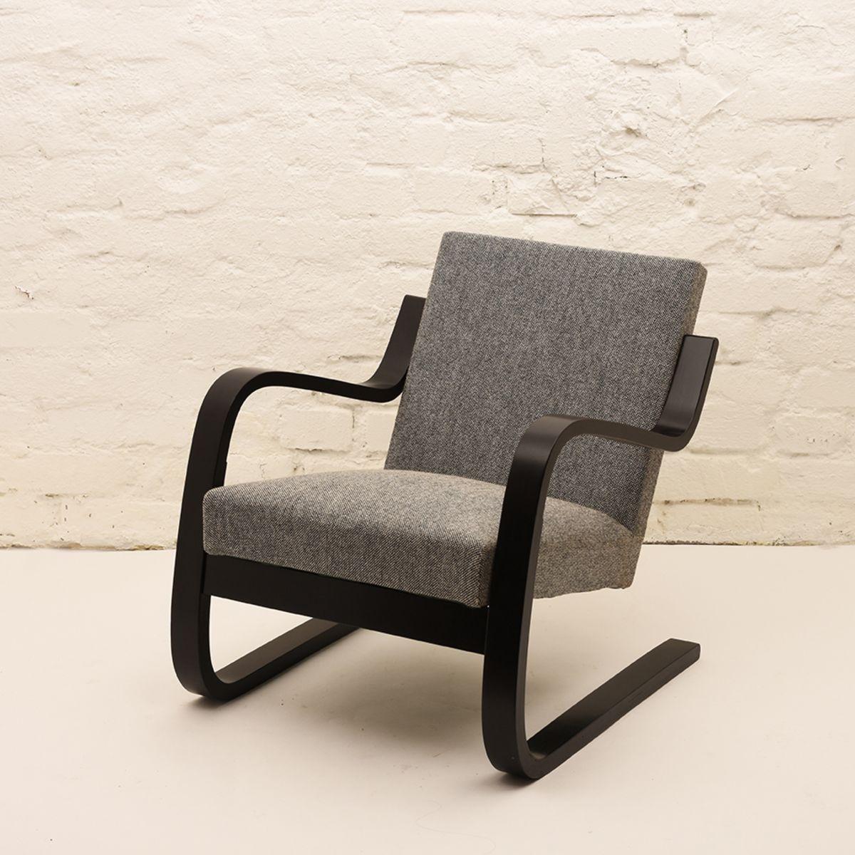 Alvar-Aalto_402-Armchair