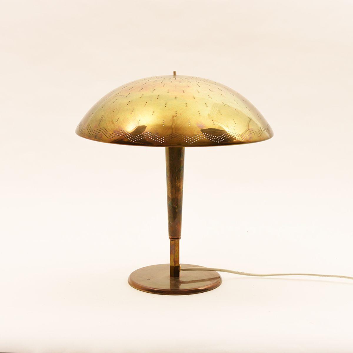 Paavo-Tynell_Umbrella-Table-Lamp