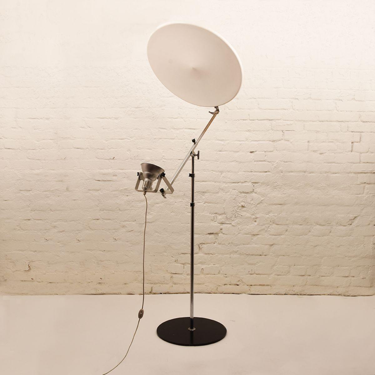 Yrjo-Kukkapuro_Floor-Lamp